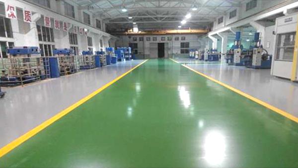 如何提高防静电环氧地坪与混凝土的粘结力?