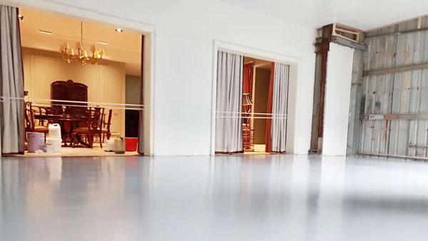 瓷砖地面如何翻新做防滑处理?