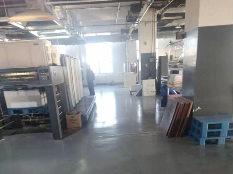 印刷厂车间地坪漆这样做,美观又耐用!美西卡聚氨酯地坪漆!