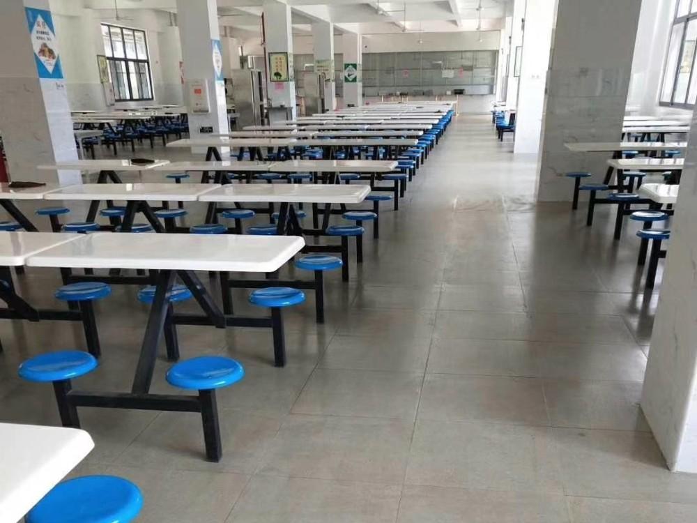 美西卡为河南焦作致远学校翻新地面做防滑超耐磨